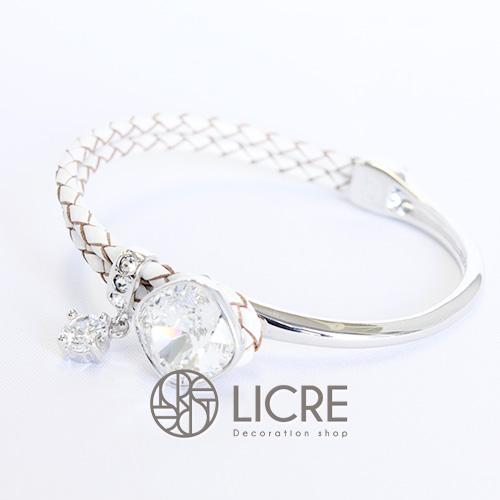スワロフスキーブレスレット - square leather bracelet WH-001
