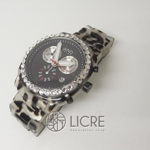 これからの季節、目立ち度NO.1の腕時計デコレーション