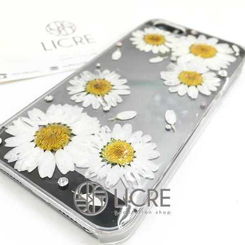 本物の押し花を使用したLICREオリジナルiphoneケースのご紹介(ホワイトバージョン)