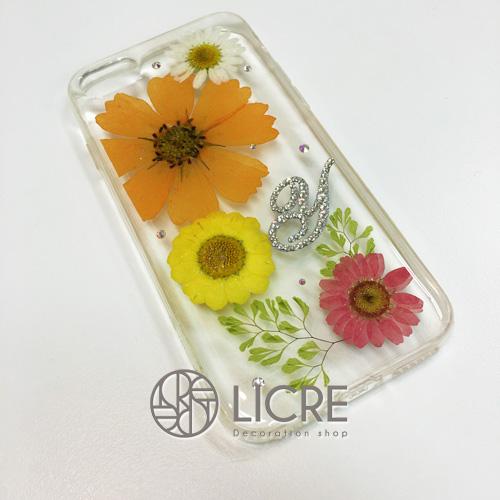 オレンジコスモスを使った華やかな押し花iphone7ケース