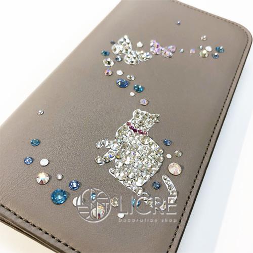 グレージュ×ブルーの組み合わせがお洒落な手帳型iphoneケース