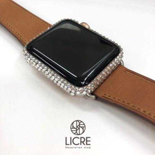 Apple Watchのフレームまわりをクリスタルのスワロフスキーでデコレーション
