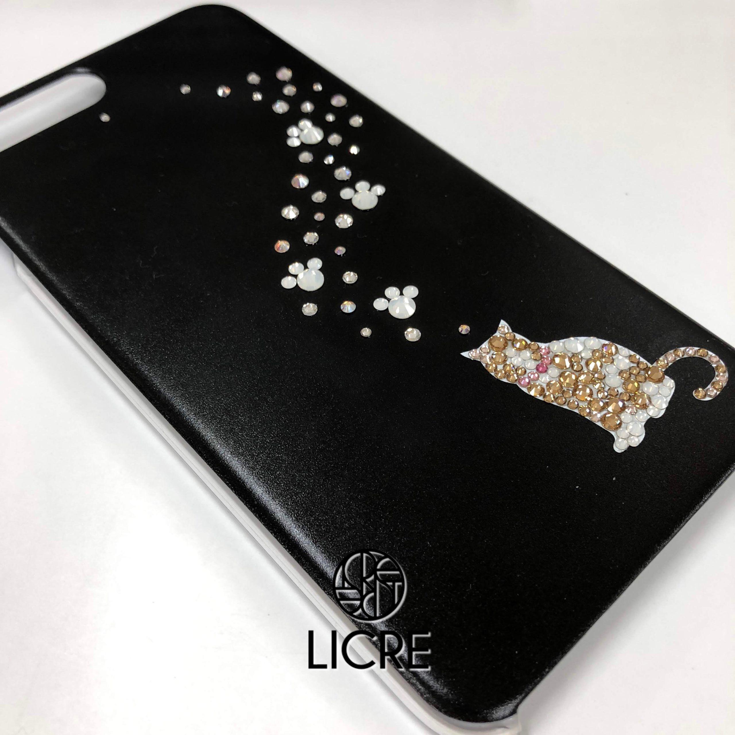 愛する猫ちゃんをiphoneケースにオリジナルデコレーション