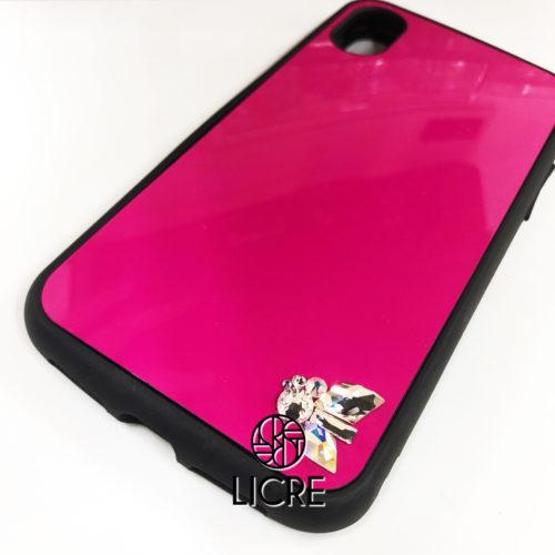 ショッキングピンクのiphoneケースにPURE7のポイントデコレーション